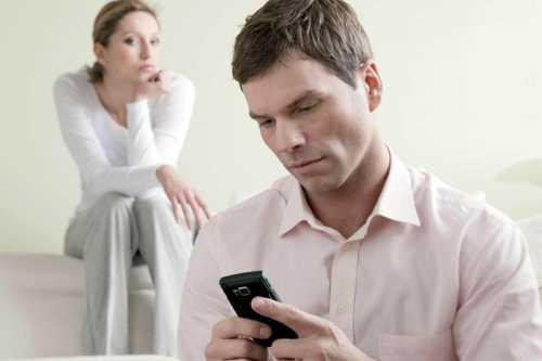Если эта нехорошая черта ему присуща, вряд ли он сможет продолжать нормальное общение с неверной супругой