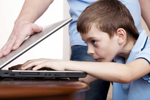 Ребенок зависает в онлайн играх