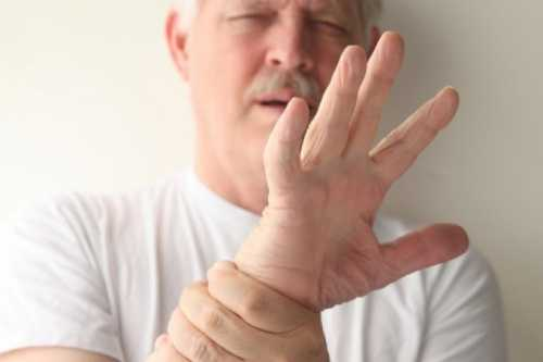 Если трясутся руки что это за болезнь