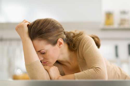 Нередко добавляется плаксивость, ожидание проблем и неприятностей